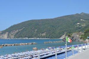 fotos Moneglia, la ciudad bella de la bahía. Liguria, Italia