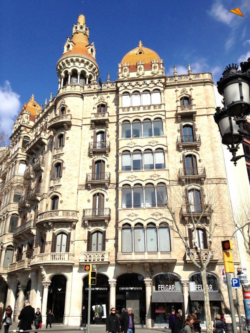 Casa rocamora en paseo de gracia fotos de viajes turismo de barcelona - Apartamentos de vacaciones en barcelona ...