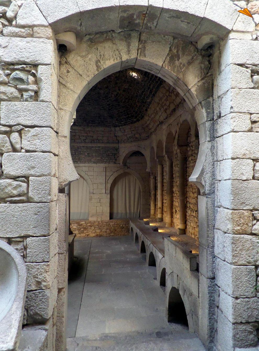 Baños Romanos Girona:Entrada de los Baños Árabes de Gerona Fotos de viajes Turismo