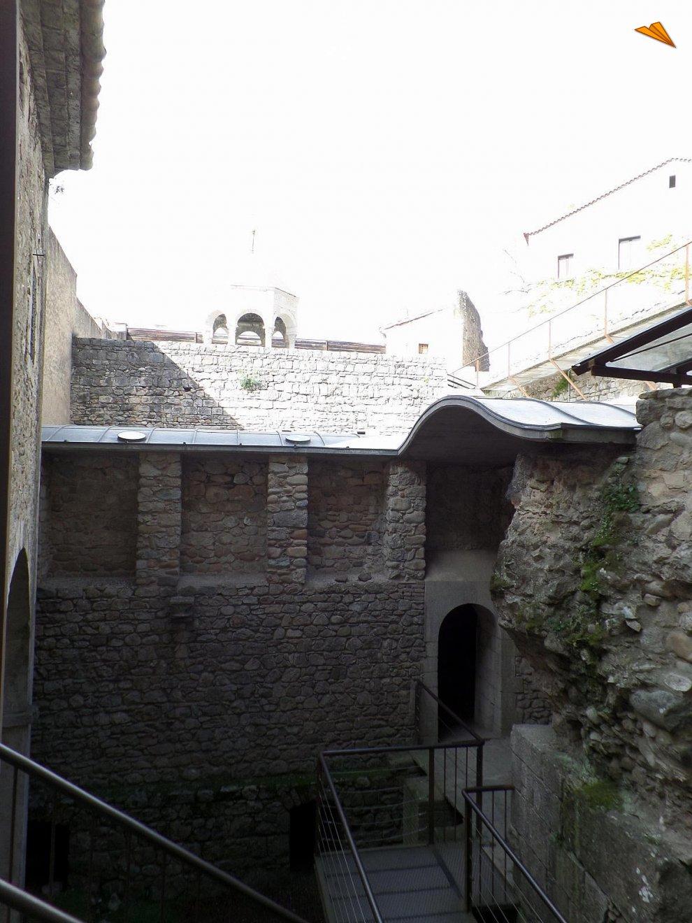 Baños Romanos Girona:Horno y calderas de los Baños Árabes de Gerona Fotos de viajes