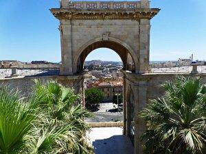 fotos Cagliari, puerta principal de Cerdeña