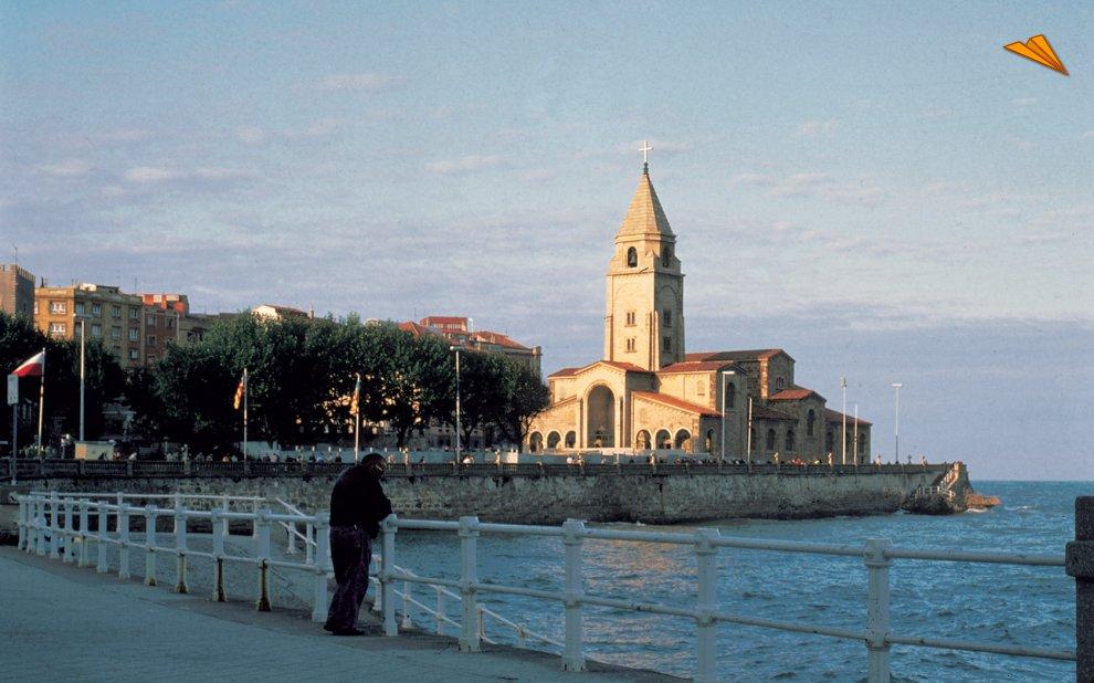 viajes asturias madrid: