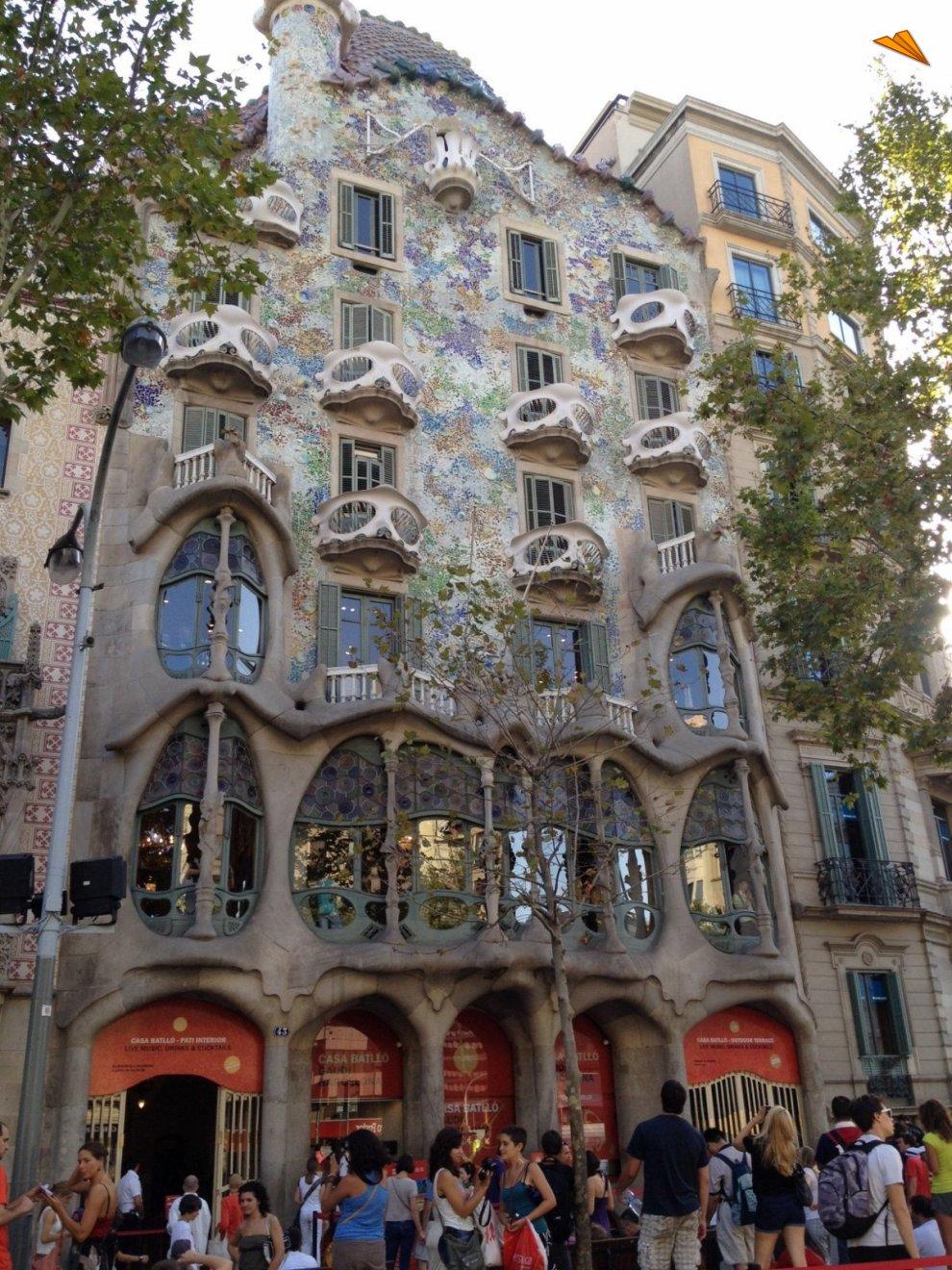 Casa batll de gaud turismo en barcelona fotos de viajes - Apartamentos de vacaciones en barcelona ...