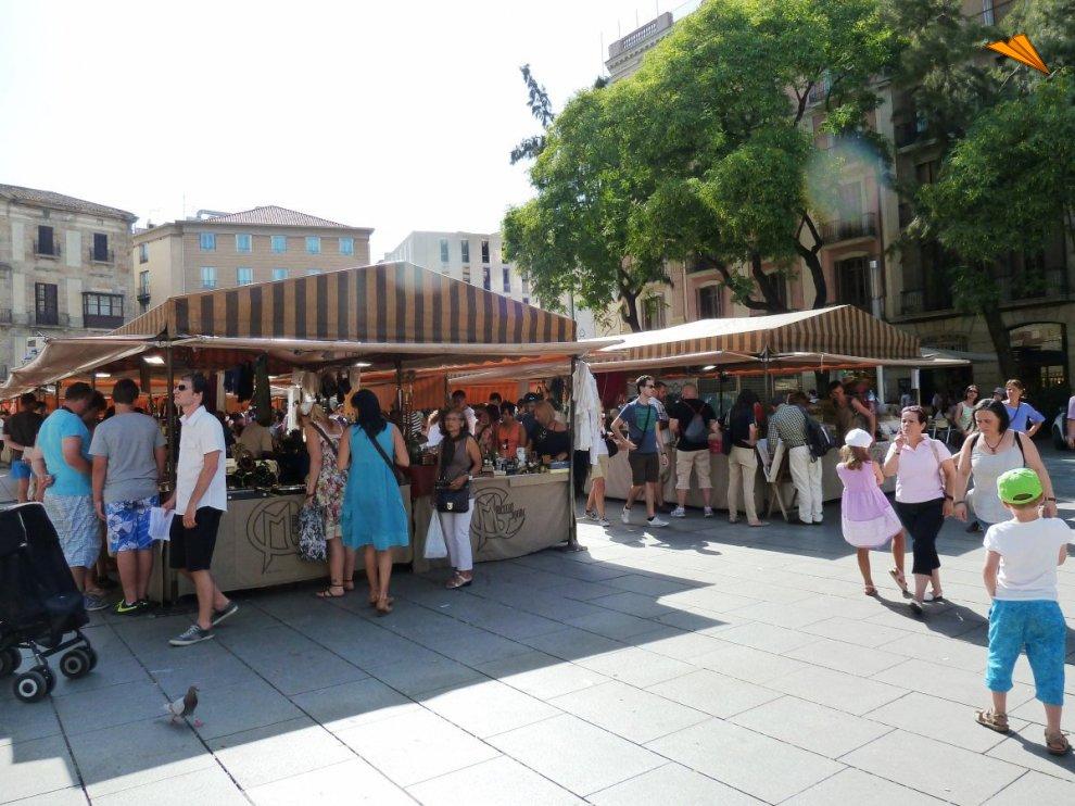 Mercadillo de antiguedades de la pla aa nova turismo en - Mercadillo antiguedades ...