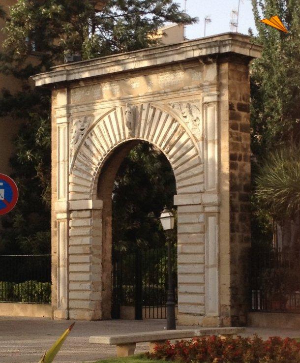 Mallorca la ciudad rodeada por antiguas murallas fotos for Can roca manacor
