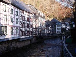 fotos Monschau, en las colinas de Eifel. Alemania