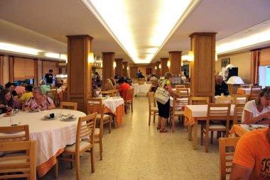 hotel bon repos cerdanya: