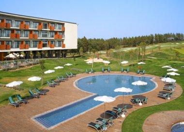 Hotel meli golf vichy catal n caldes de malavella for Piscina en catalan