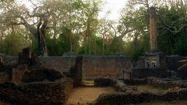 Vive una experiencia misteriosa recorriendo las Ruinas de Gede