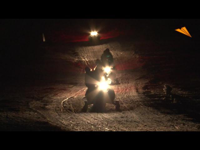 video Andorra, diversión con motos de nieve