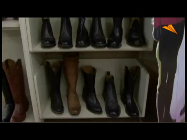 video Canadá, Alberta- Calgary. Compañia de botas